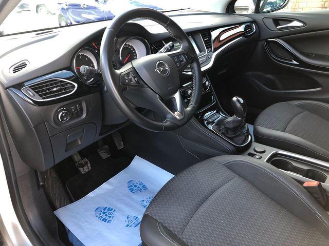 Opel Opel Astra sports tourer II 1.6 D 136ch Innovation